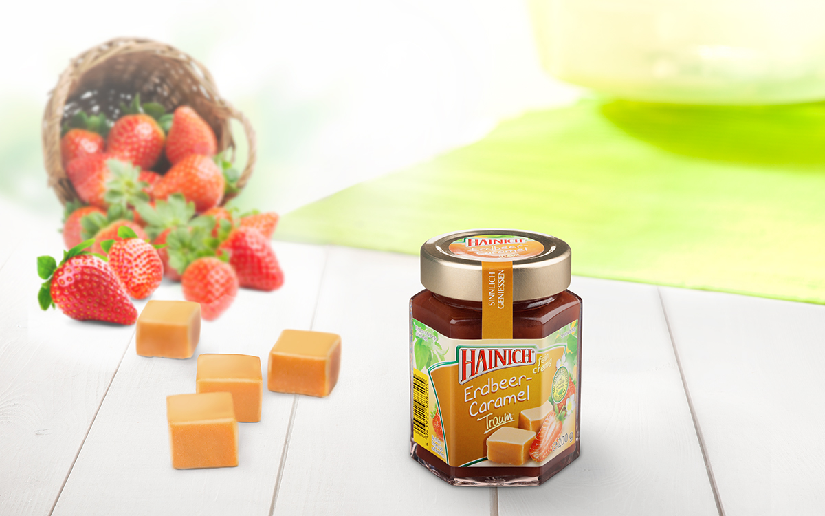 Strawberry and caramel fruit spread